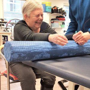 En lammet arm kræver særligt fokus på både skulder, albue og hånd